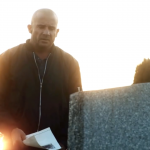 2017-04-03_Prison-Break-Season-5_cemetery