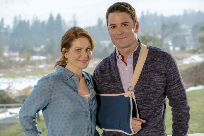 A Bundle of Trouble stars Candace Cameron Bure & Yannick Bisson