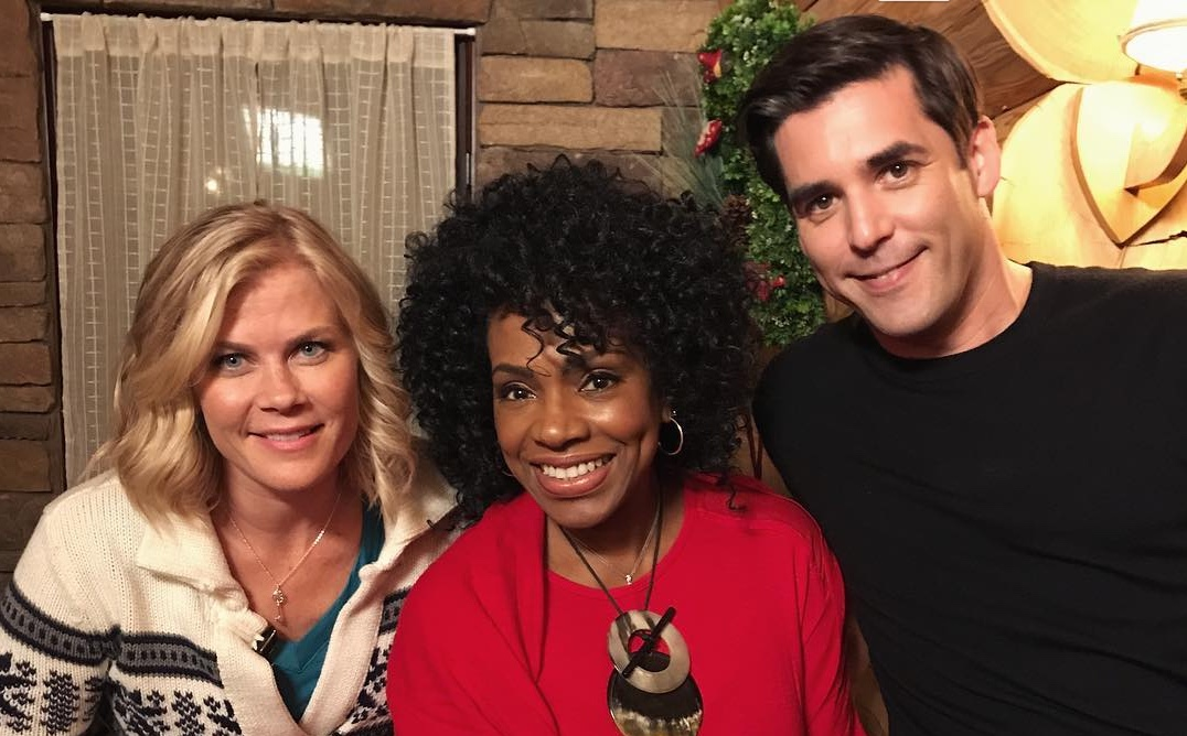 Christmas With Holly.Christmas At Holly Lodge News What S Filming