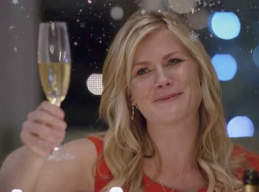 Christmas at Holly Lodge Stars Alison Sweeney